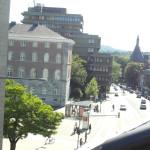 Der Blick auf den Hauptbahnhof aus meinem Fenster.